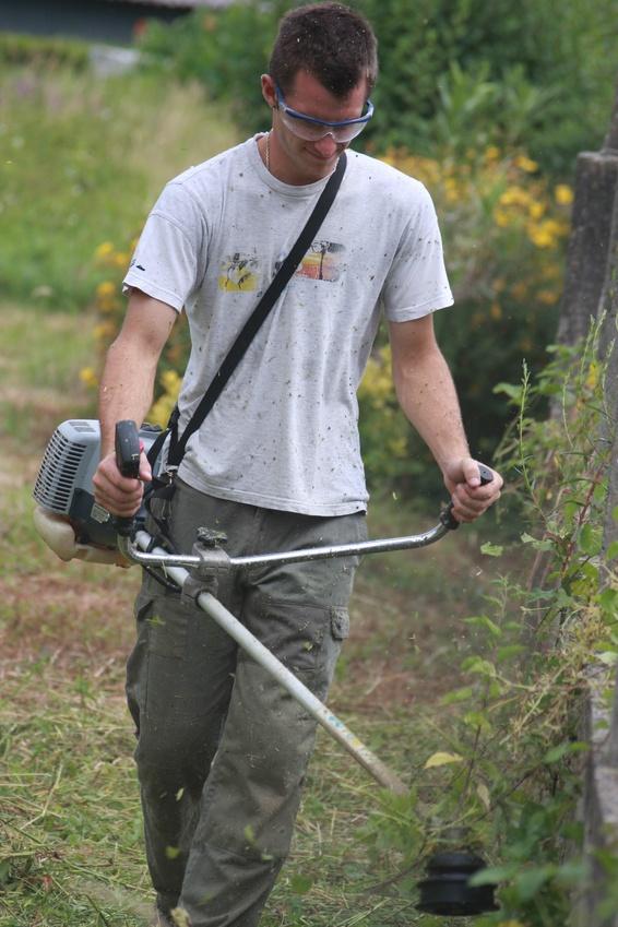 D broussaillage conseils astuces pour d broussailler for Entretien jardin obligation