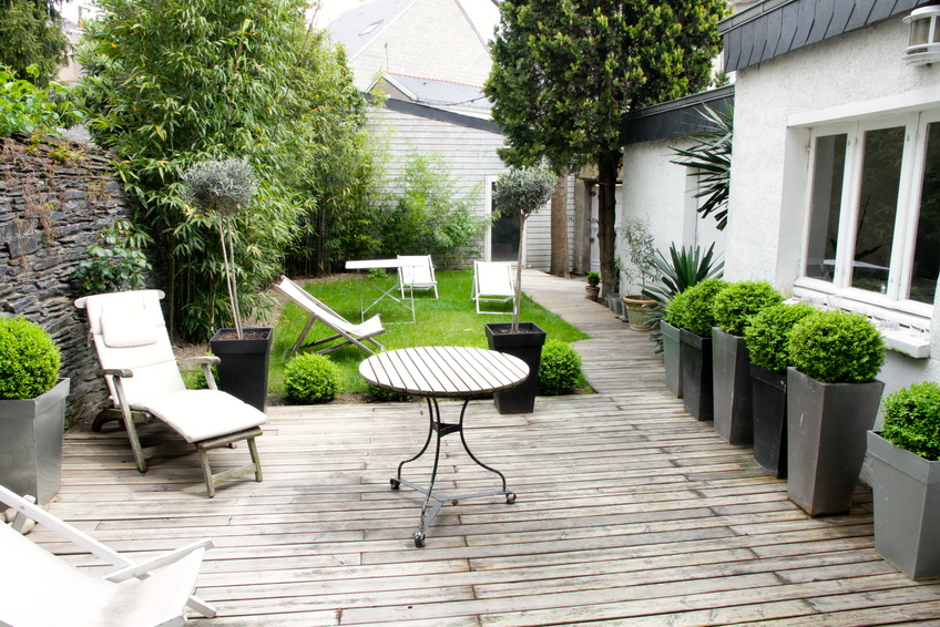 Le jardin de ville for Idee amenagement jardin en longueur